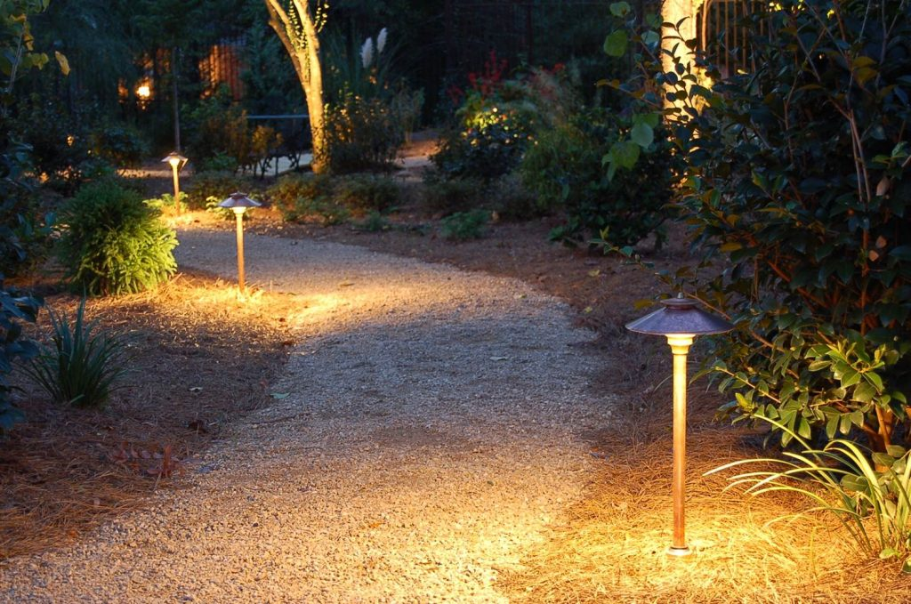 perfect-path-lights-for-the-home-louie-lighting-blog_outdoor-patio-and-backyard