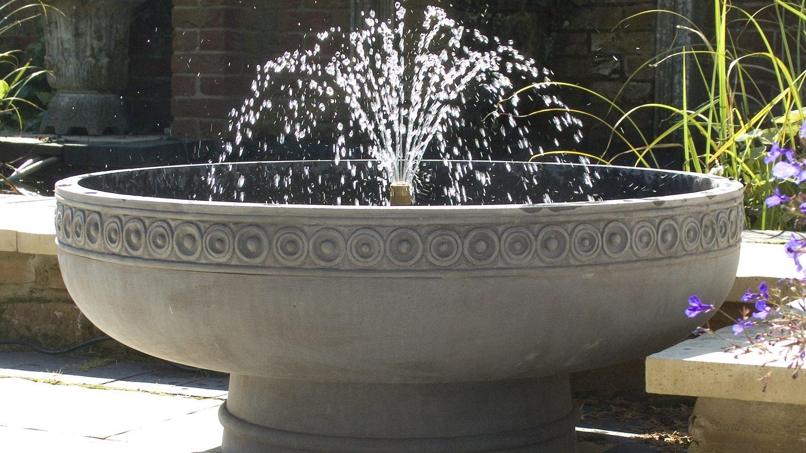 Romanesque_Fountain-TLHC521-A-1-e1536239298253 (1)